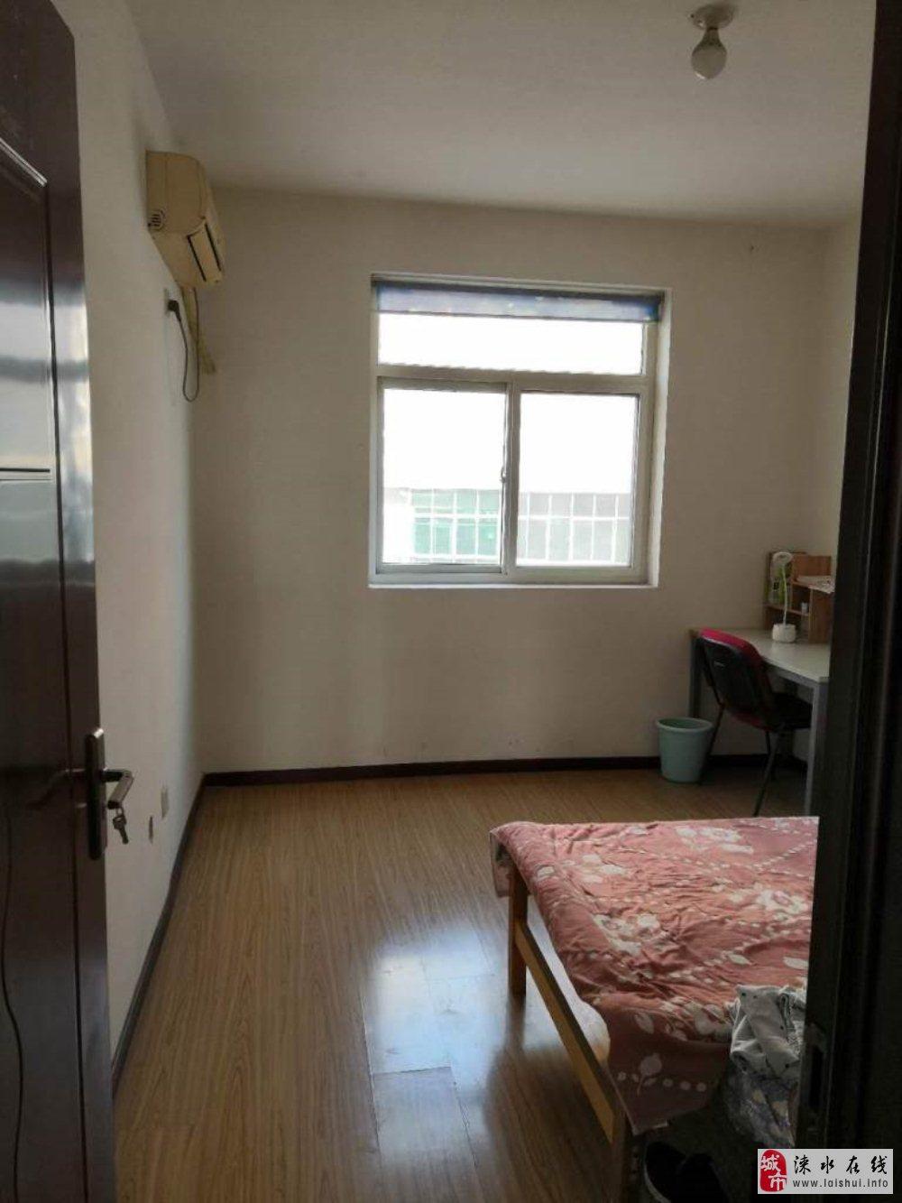 宏美金领域2居室有本步梯三层60万