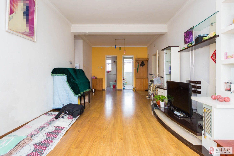 春港花园97平通厅两室干净采光好上实验