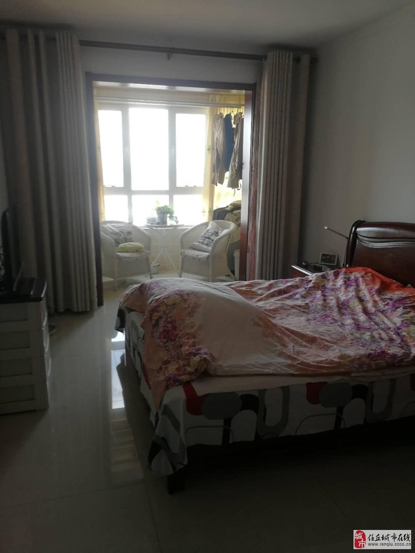 庆丰温泉2室2厅2卫165万元