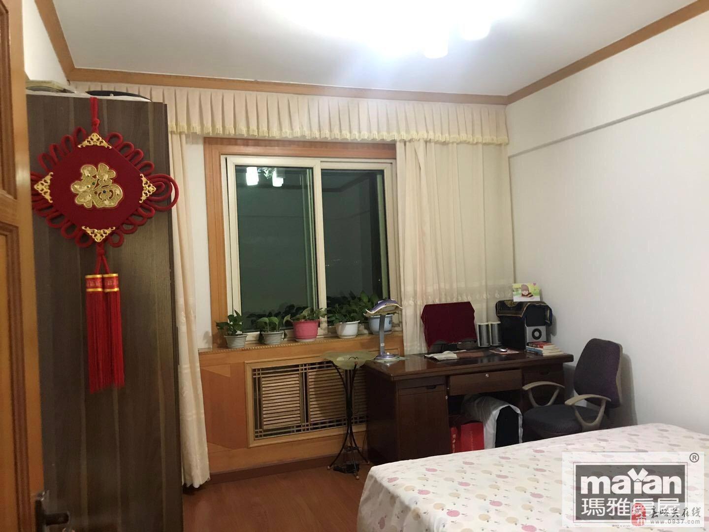 世纪园小区2室2厅1卫33万元