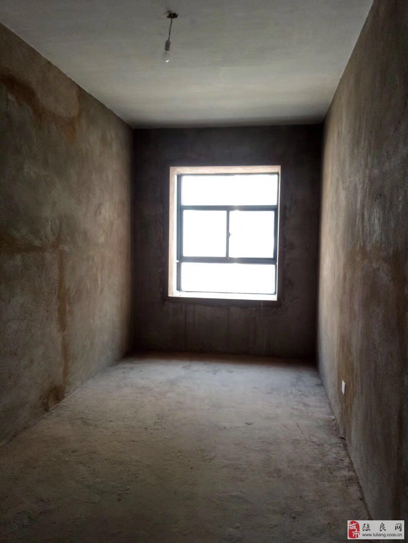 龙园一区4室2厅2卫46万元