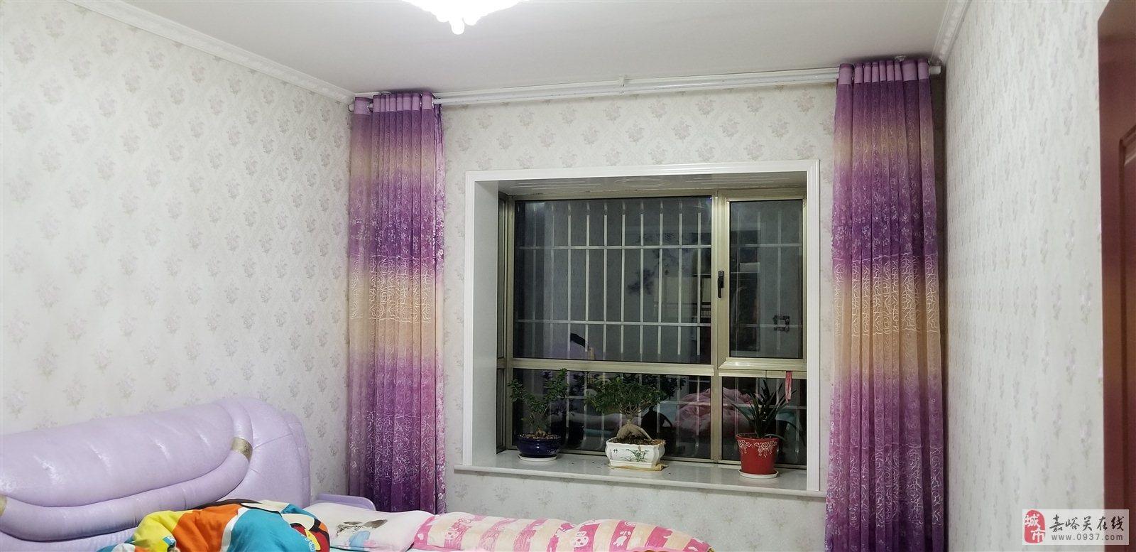 紫轩花园3室2厅2卫60万元