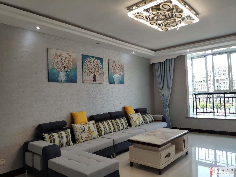 富华富康小区精装三室双卫赠三个阳台现代风格