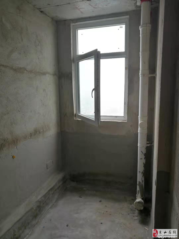 天镜广场3室2厅2卫96万元