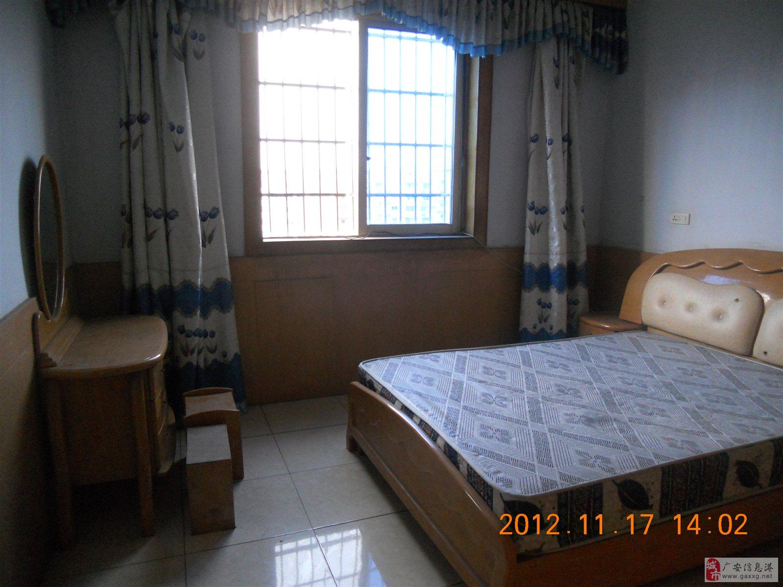 思贤公寓3室2厅1卫精装卧室全看河53万元