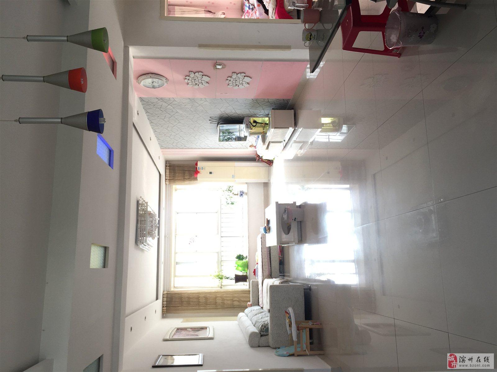 山柳杜5楼90平,6楼40平,有储藏室,仅售40万