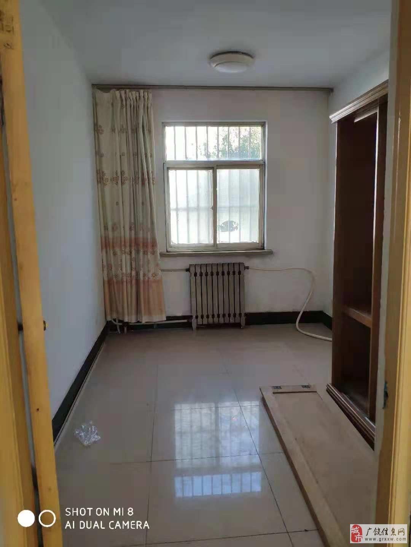 清风小区1楼90平简装66万元免税带储藏室