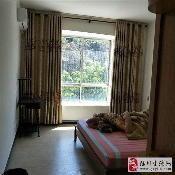 陆川中山苑4室2厅2卫54万元诚心出售带装修