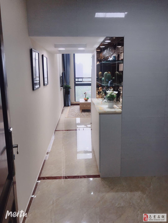 精装修新城公馆地铁口复式挑高吾悦广场旁