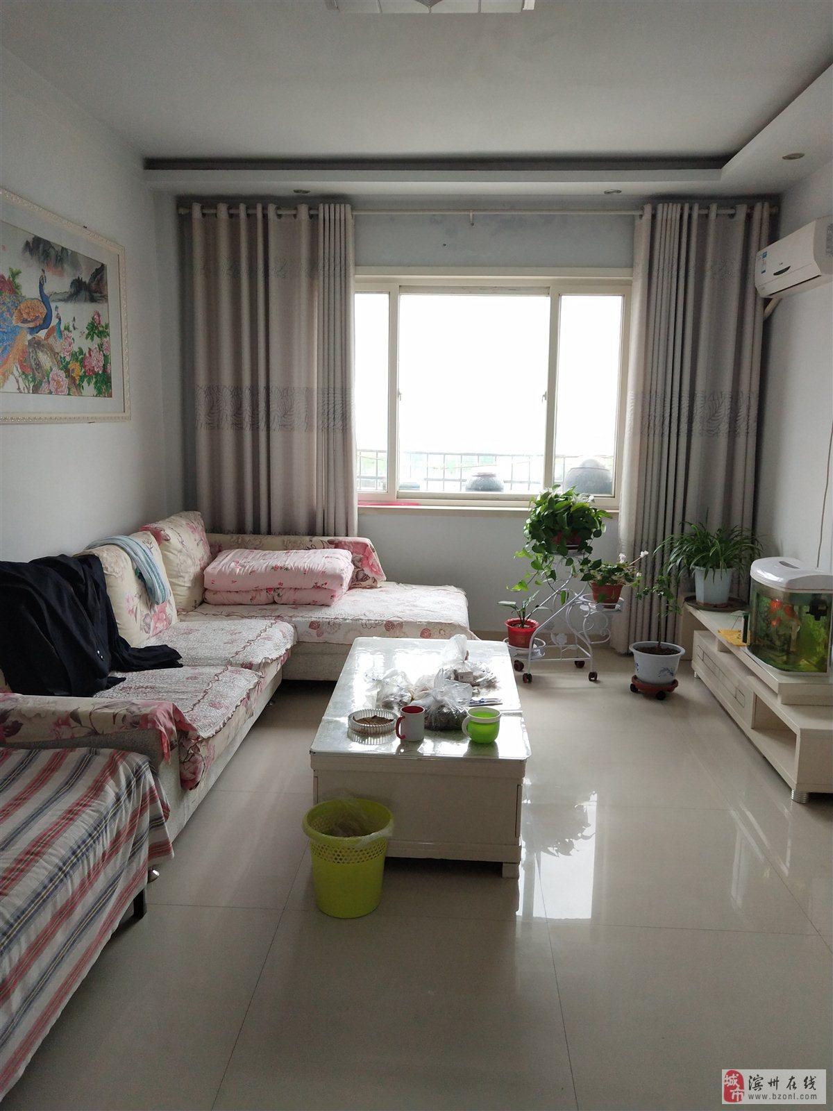新庄家园新六中精装两室多层五楼送储藏室