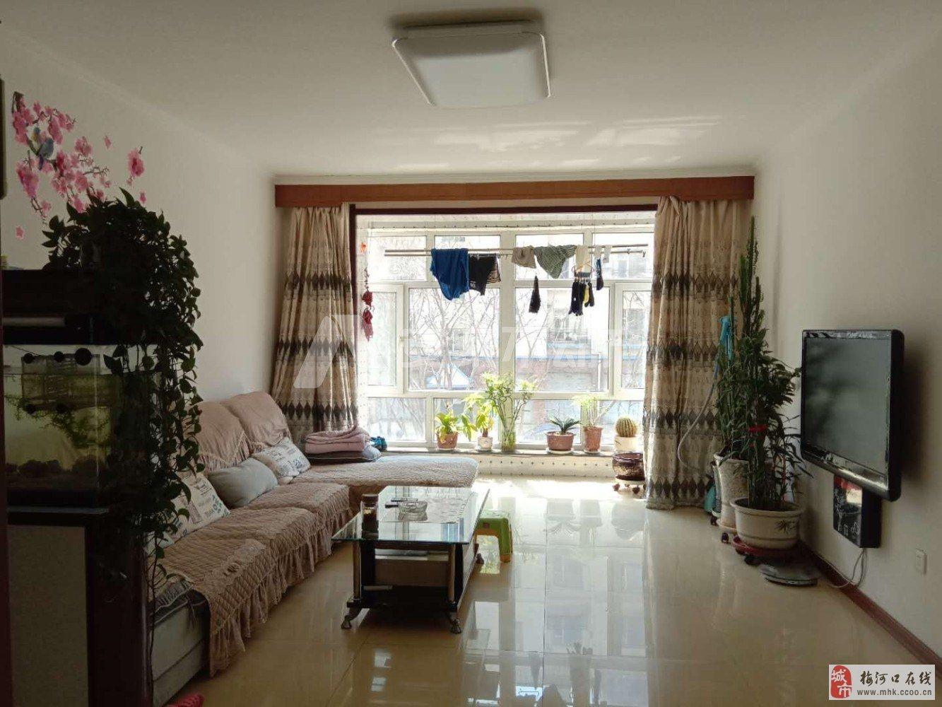 河畔花园2楼87.76平精装性价比超高