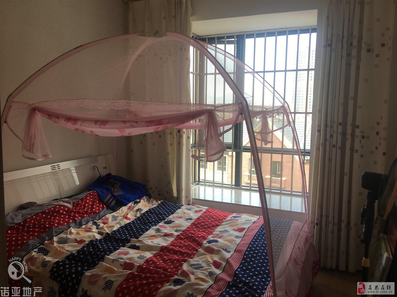 世纪阳光126平米精装修3室2厅2卫60万元