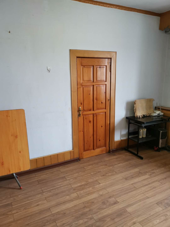 朝阳镇铁路家属楼2室1厅1卫12.8万元