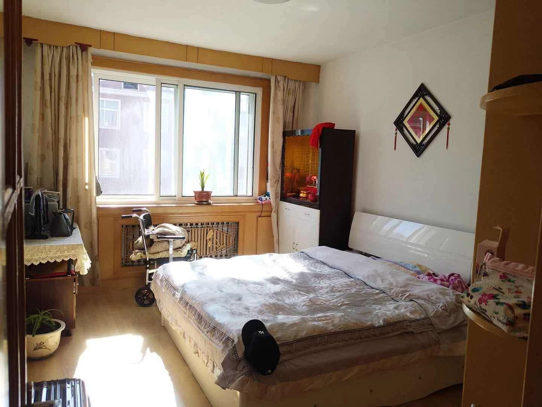 西城小区2室1厅1卫27万元