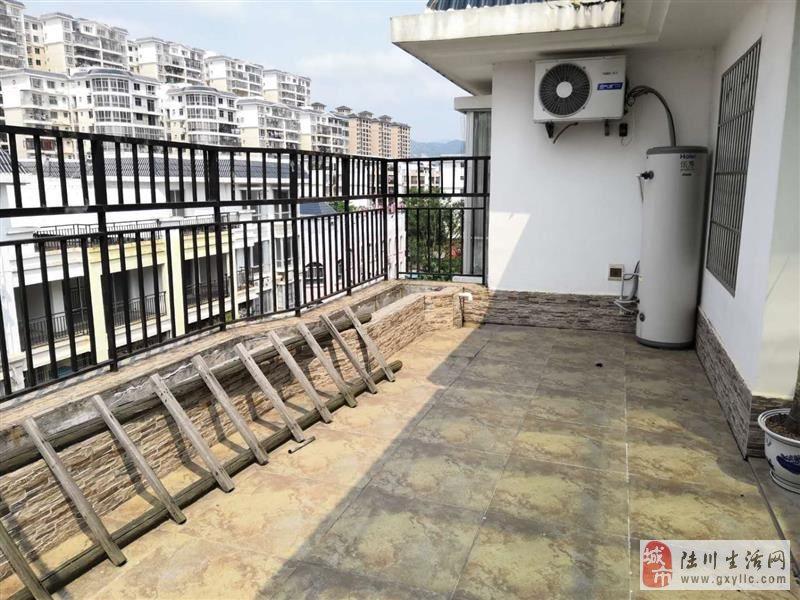 陆川龙腾嘉园6房2厅4卫2阳楼中楼带精装急售需要钱
