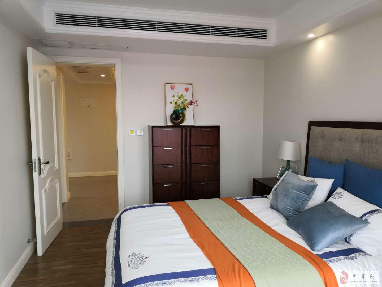 晨胧华庭3室2厅2卫160万元