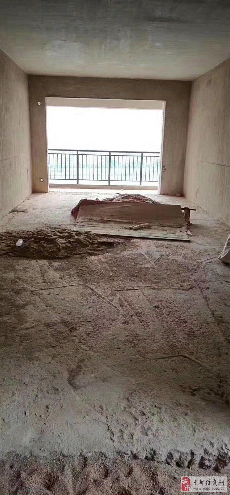 天成名都小区电梯房毛坯3室2厅2卫95万元
