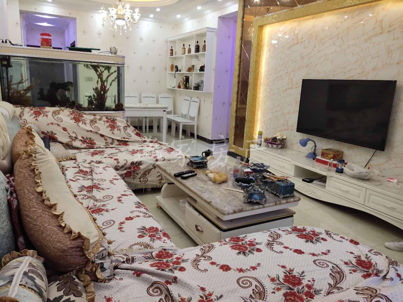 豪华装修三室,电梯,学.区房,低于市场价10万出售