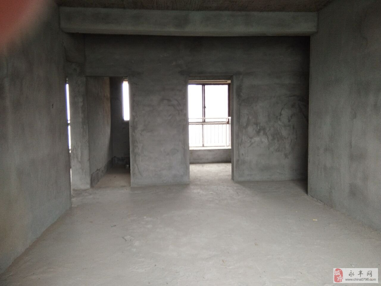 桥南金峰苑3室2厅2卫78万元纯毛坯
