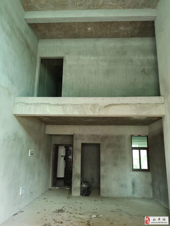 天立生态城复式楼6室3厅4卫134万元