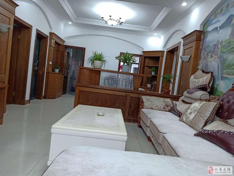 金秀公寓3室2厅1卫62万元黄金楼层超大面积