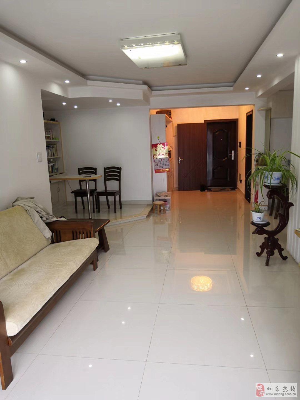 盛世华城精装101平米,2室2厅1卫101万元