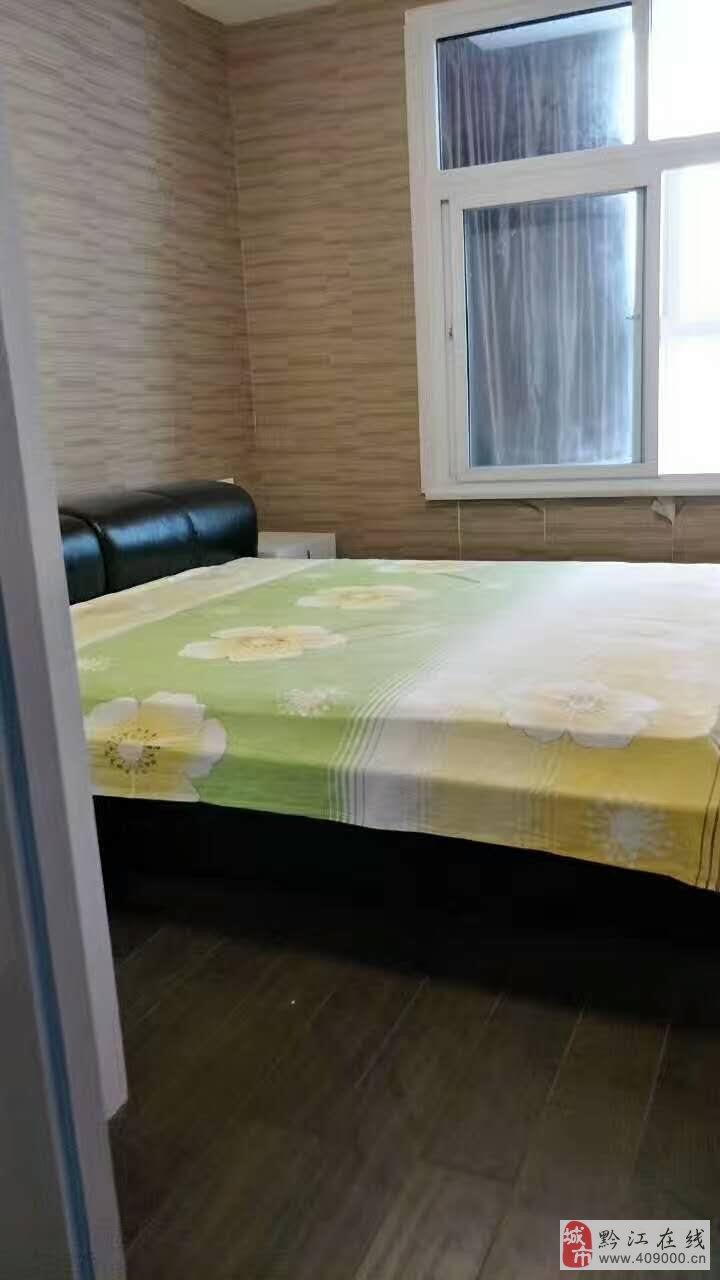 丽都花苑5室3厅3卫170万元