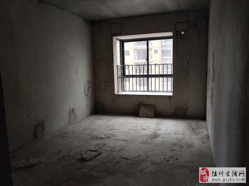 陆川龙腾中浩国际4室2厅2卫65.2万元急售钥匙在