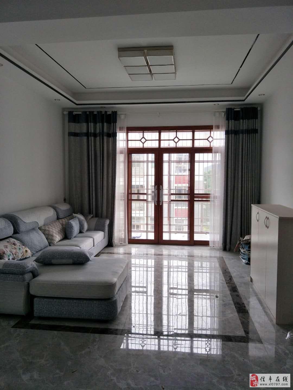 博大新城复式楼6室3厅3卫108万元