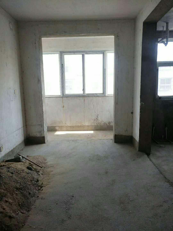 博文世家3室1厅1卫37.5万元