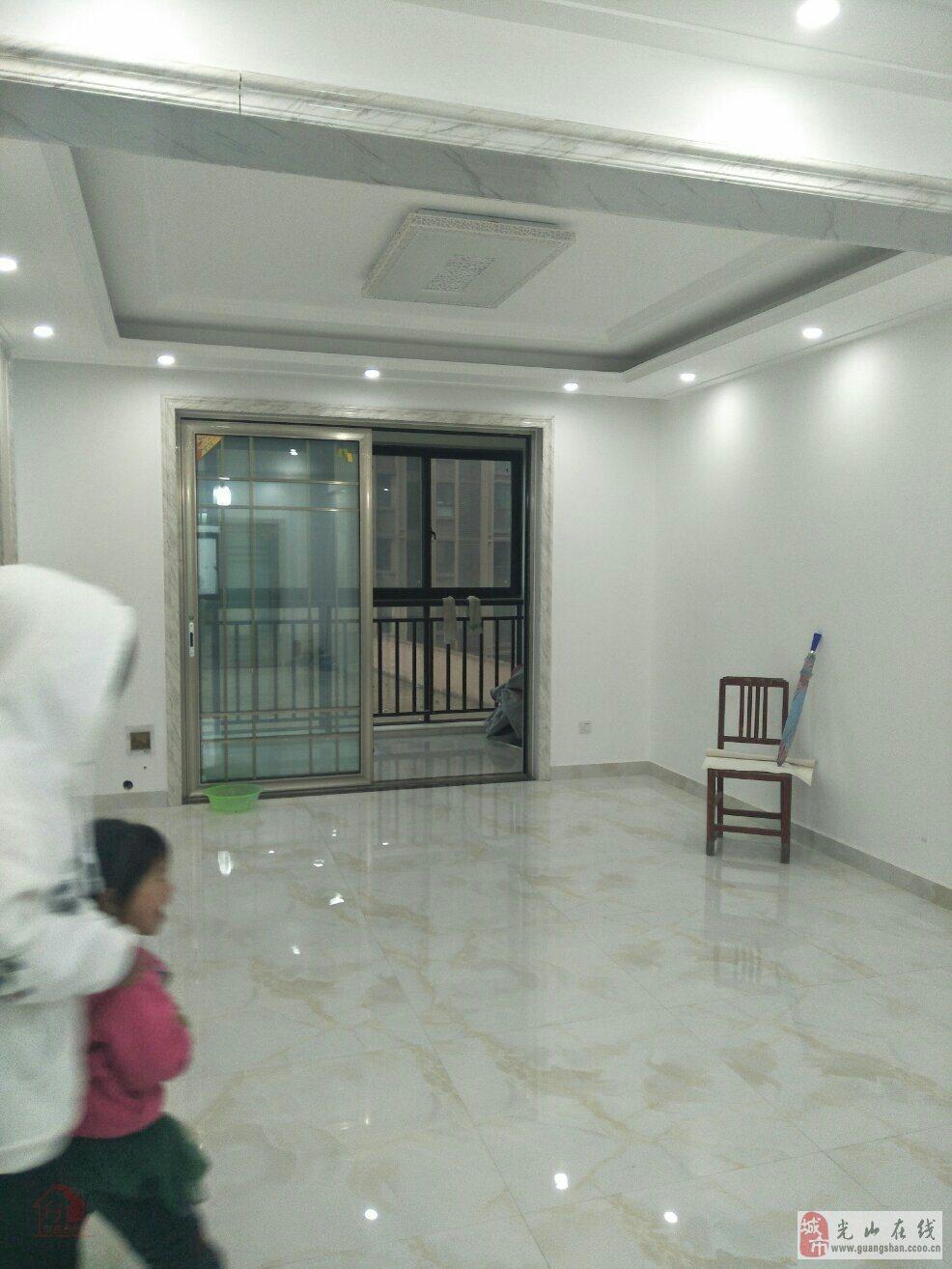东方名都三居室?#26032;?#23618;新装修未入住仅售115万