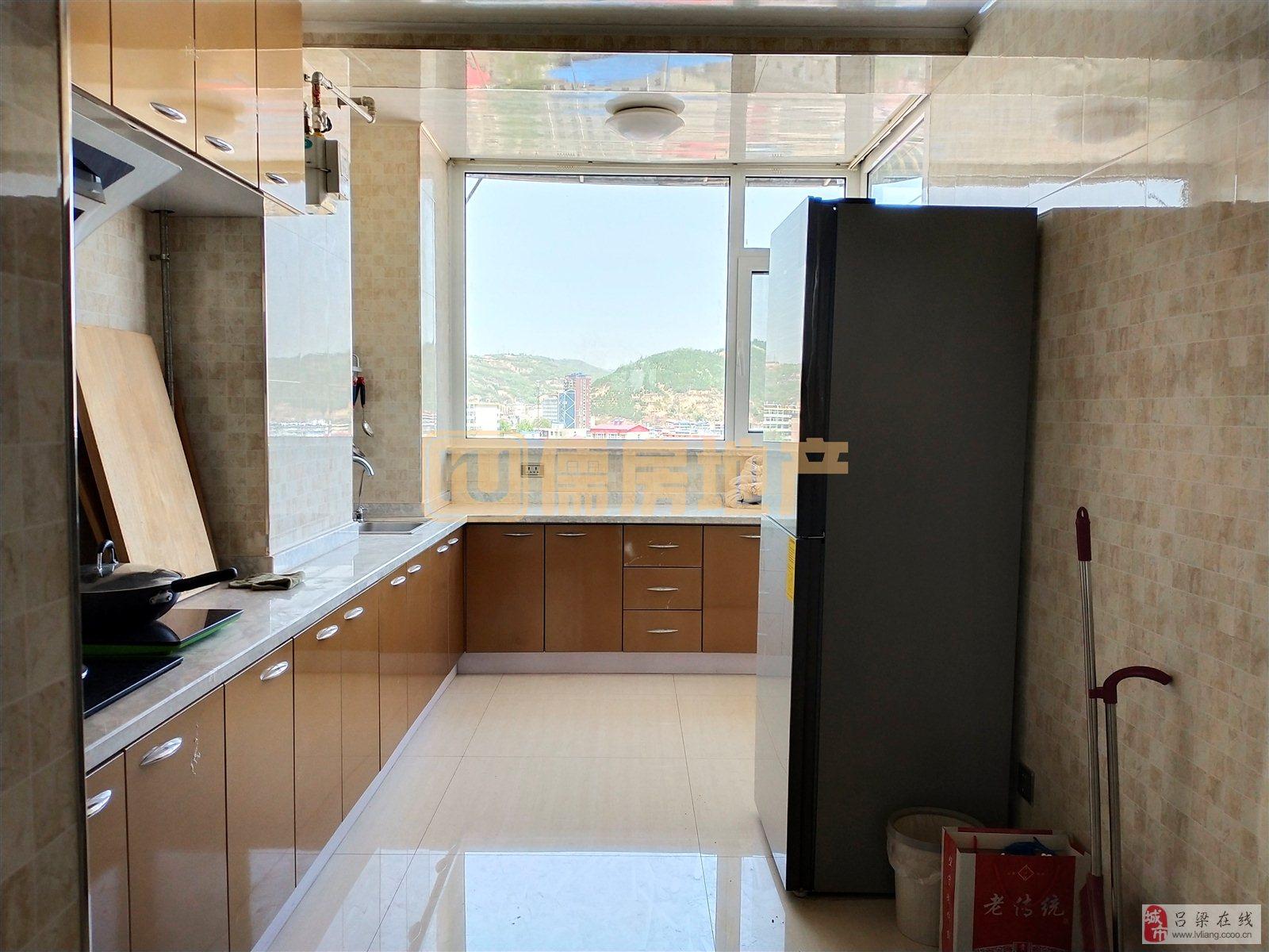 龙凤新城3室2厅1卫67万元