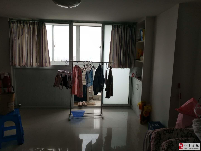 华荣上海城2室1厅1卫50万元