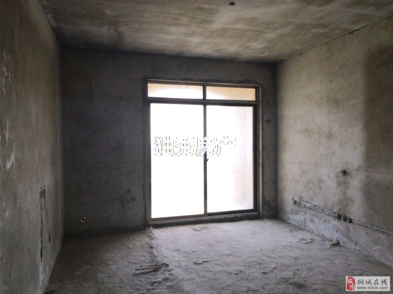 出售香山公馆带车库3室2厅1卫56万元