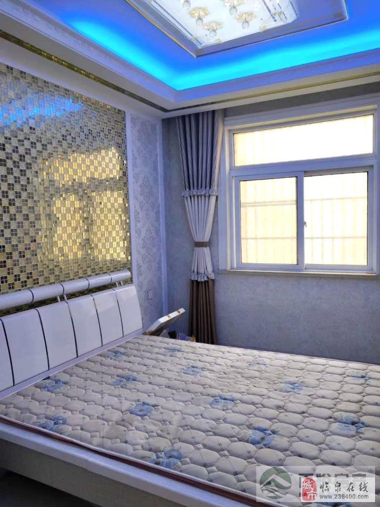 泉城经典3室2厅2卫豪华装修送部分家具家电