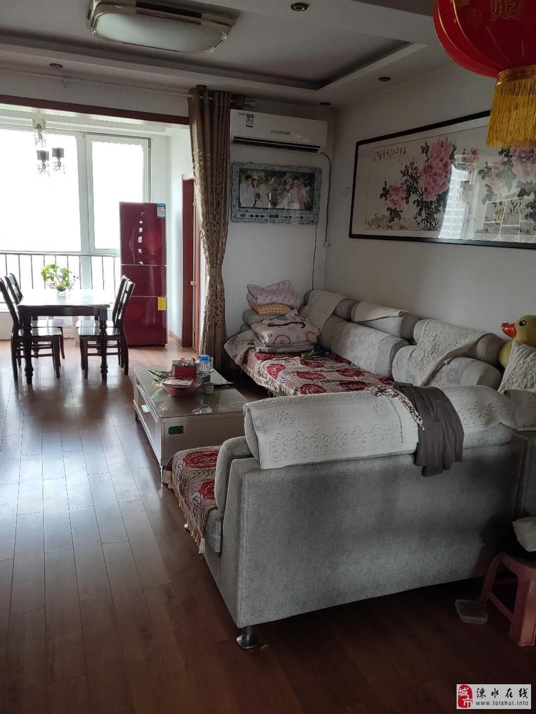 金月苑精裝兩居,單價8000,送閣樓。