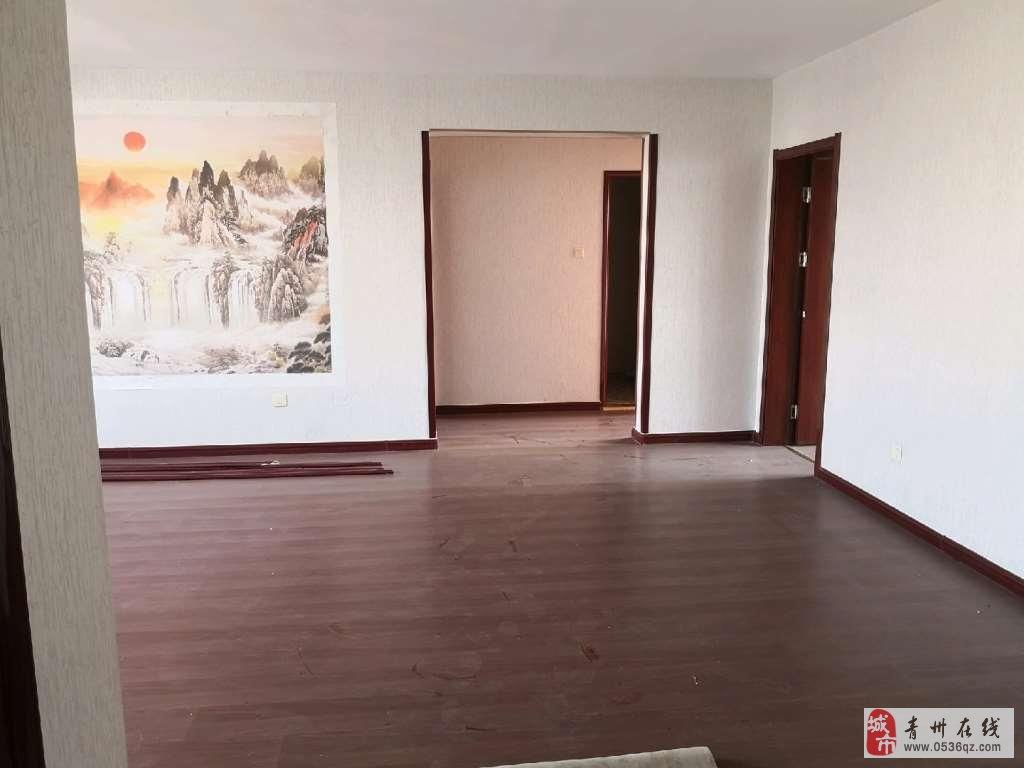 东青花园小高层11楼115平100万带车位储藏室