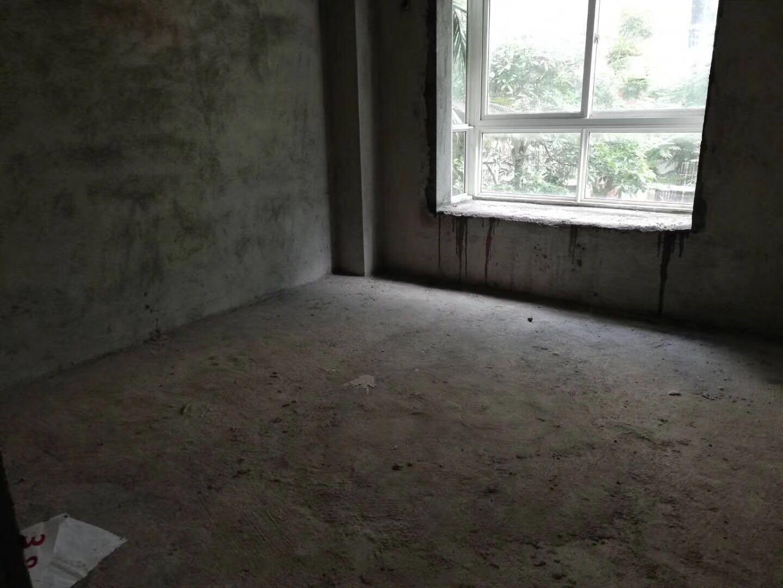 市一小学区房南方花园3室2厅2卫首付40万