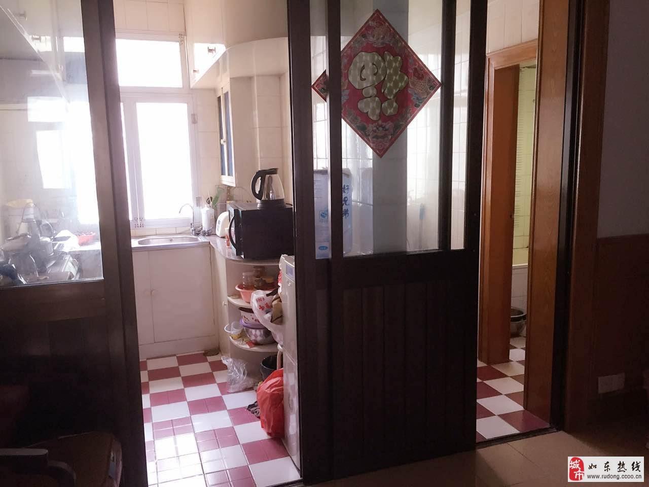 汽车站附近80平米3室中装有附房总价48.8万