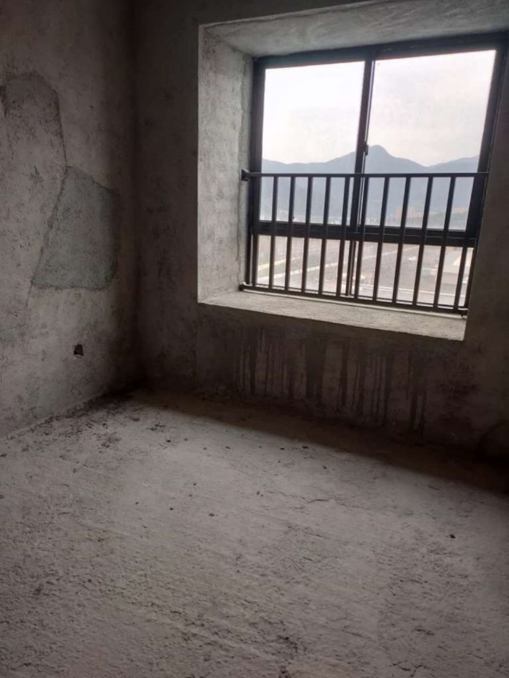 永隆国际城中高层朝南80平方90万