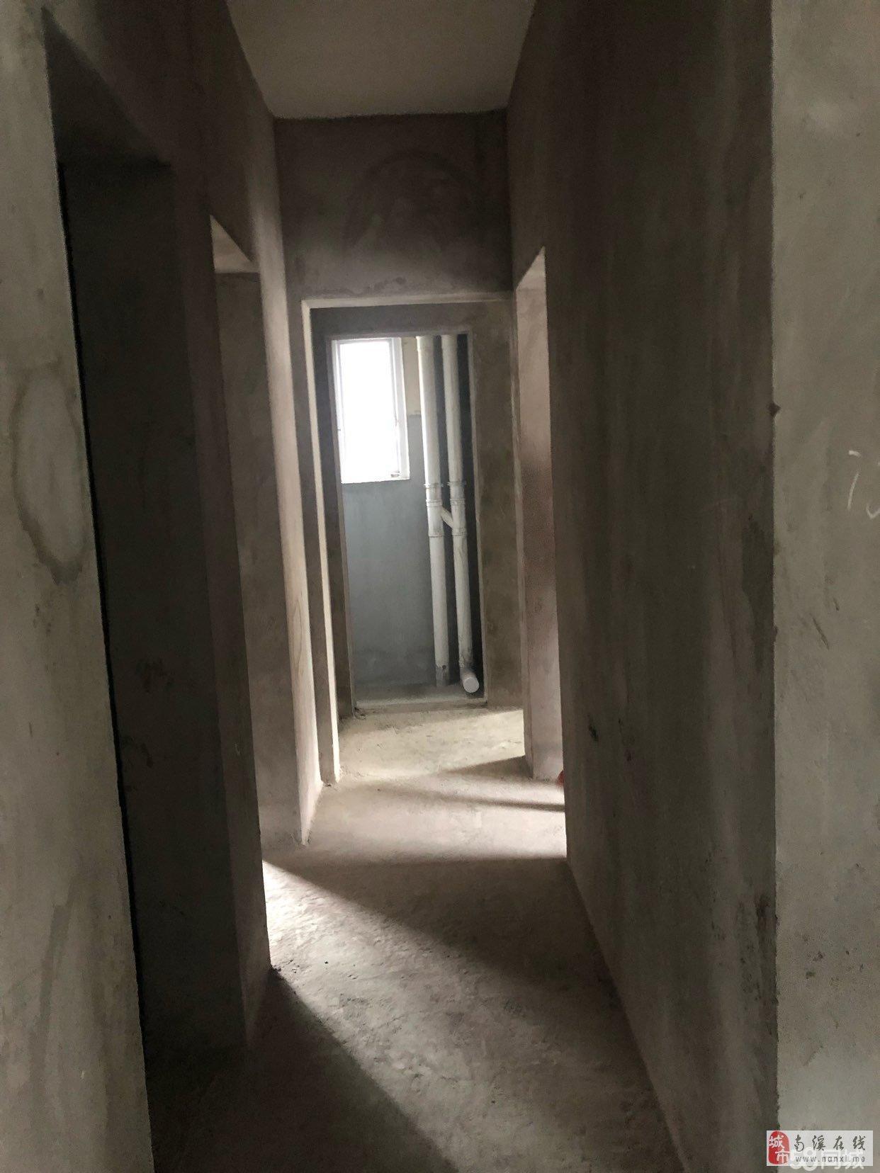 凤凰华城3室2厅2卫52万元