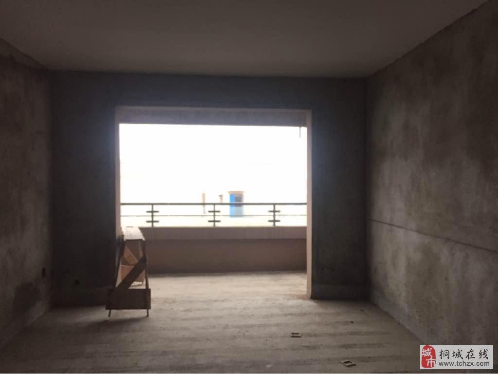 鸿润·龙腾首府3室2厅1卫72.8万元