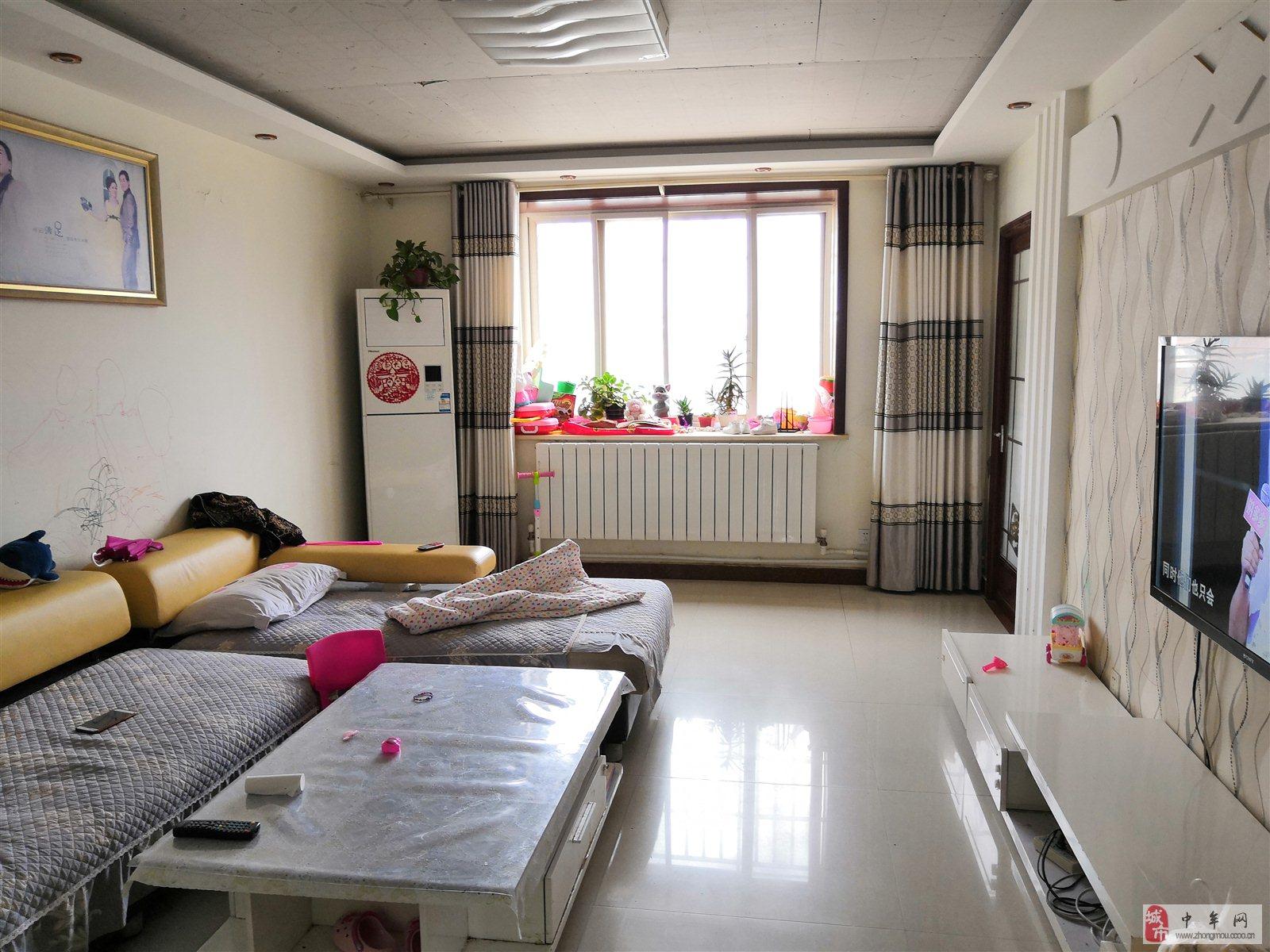 紫藤嘉园精装大三房3室2厅2卫95万元