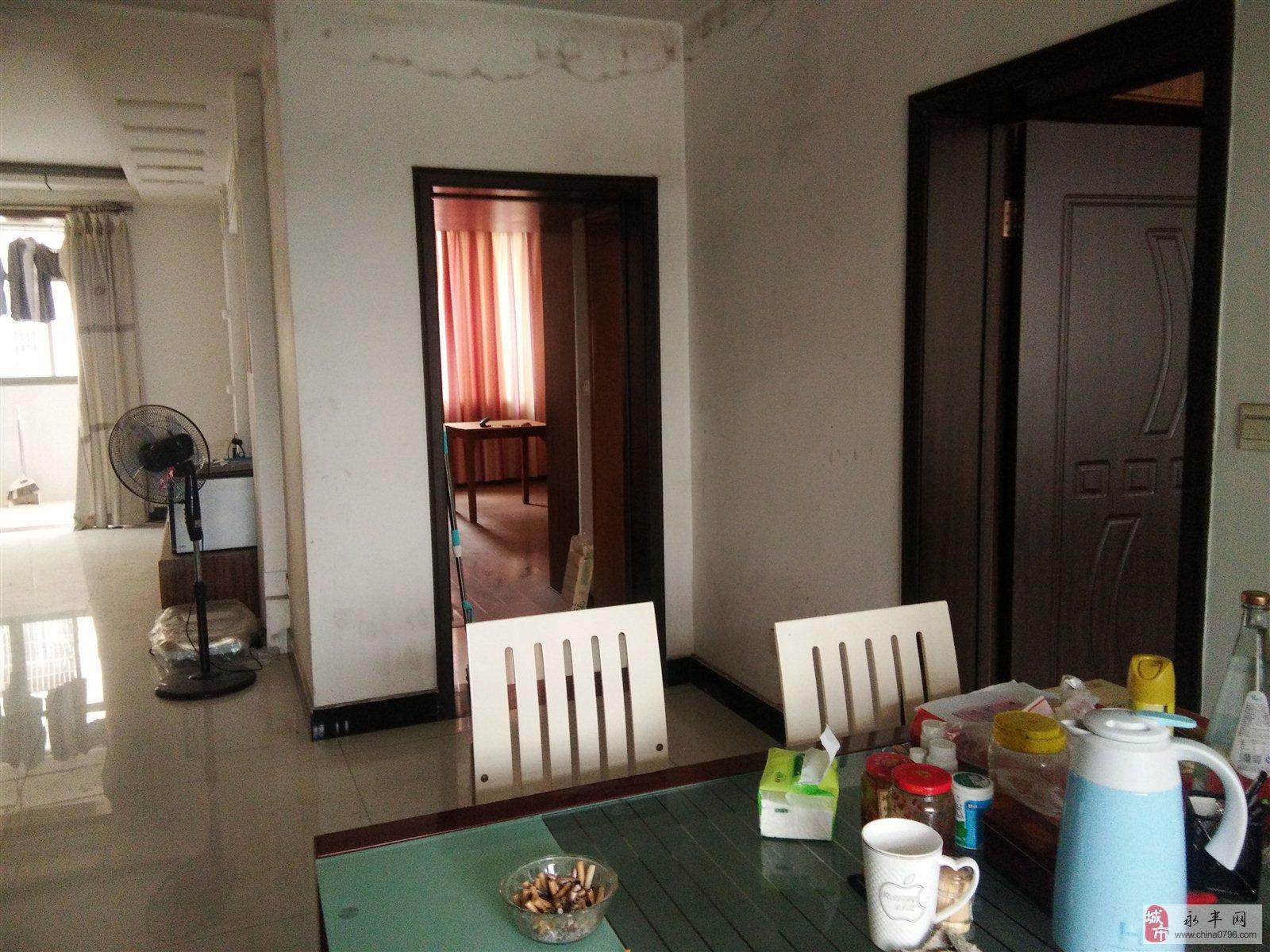 南海名都小区3室2厅2卫115万元