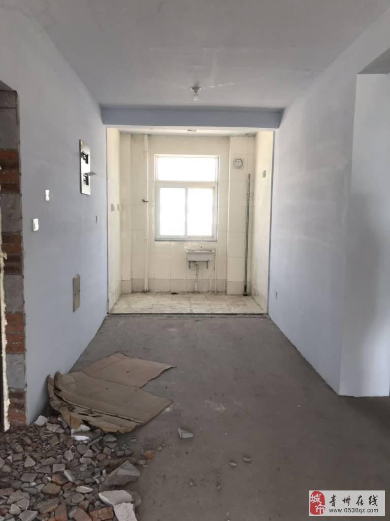 雍和府2室2厅1卫52万元