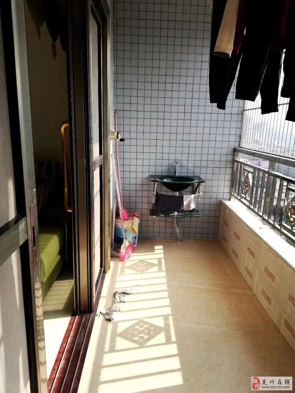 东峰苑4室2厅2卫72万元