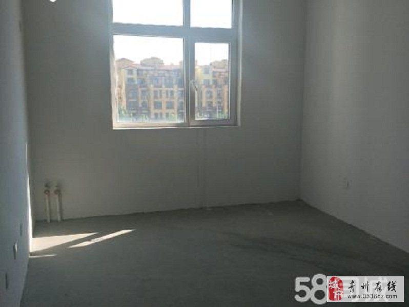 雍和府5楼带阁楼101平三室两厅带车库全款包改名
