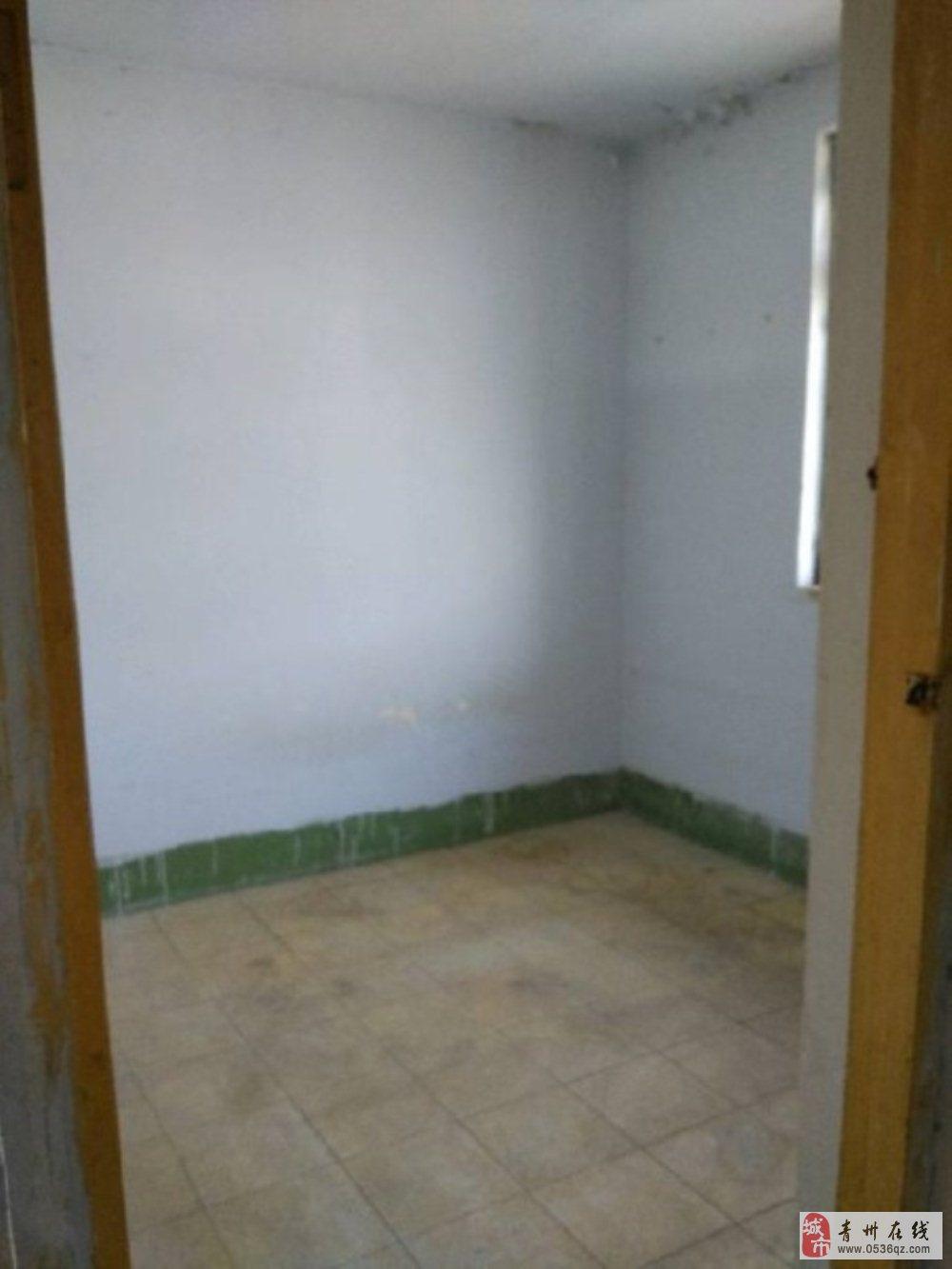 烟厂西宿舍4楼41平一室储6平25万可按揭