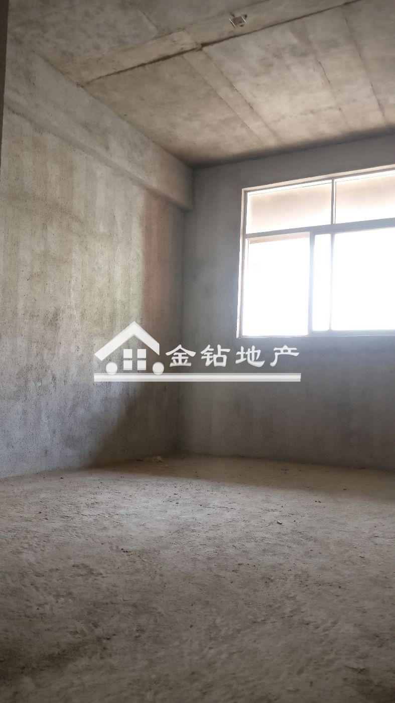 领秀江南83万3室2厅2卫毛坯,难得的好户型急售