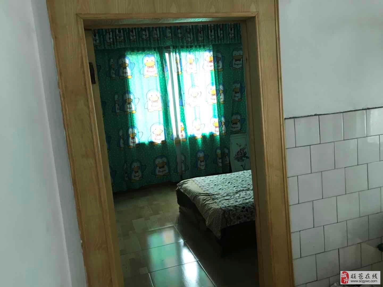 售3室2厅1卫赠送房两间带花园41万元